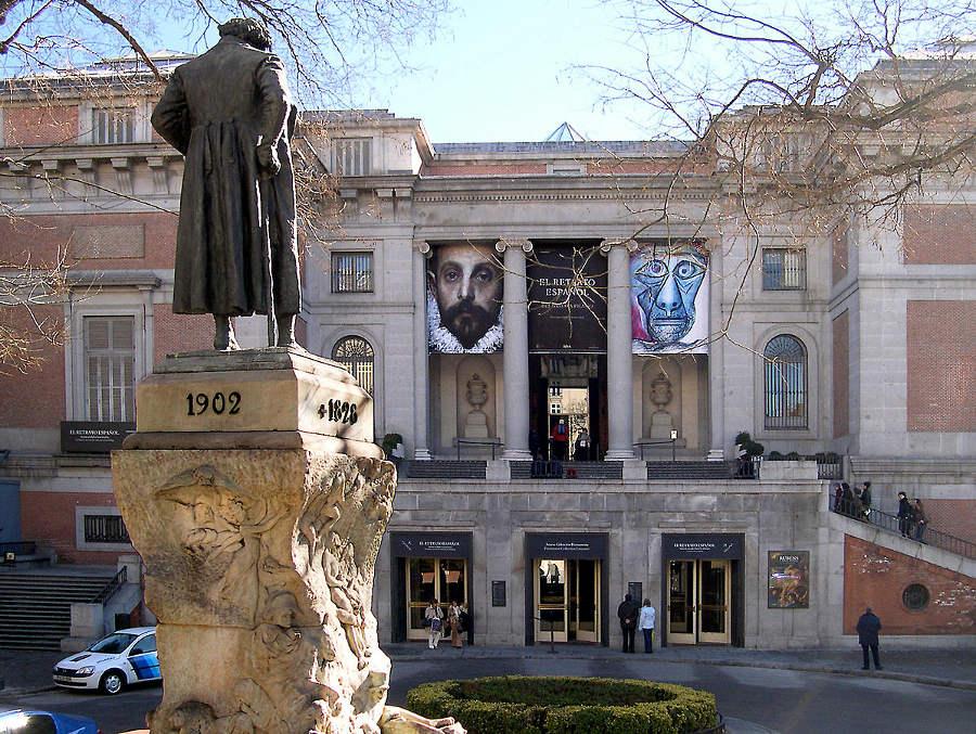 The Prado Museum, Goya statue