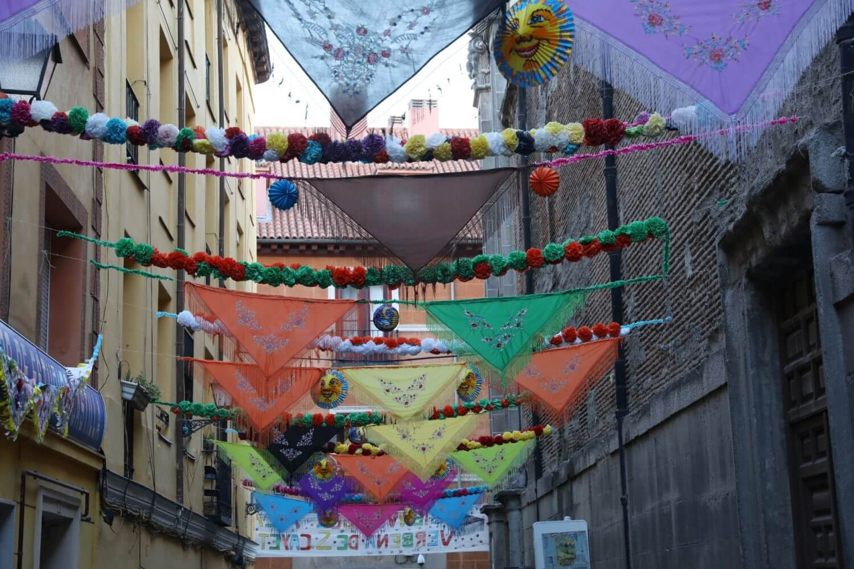 Walk Lavapies popular festivities San Lorenzo