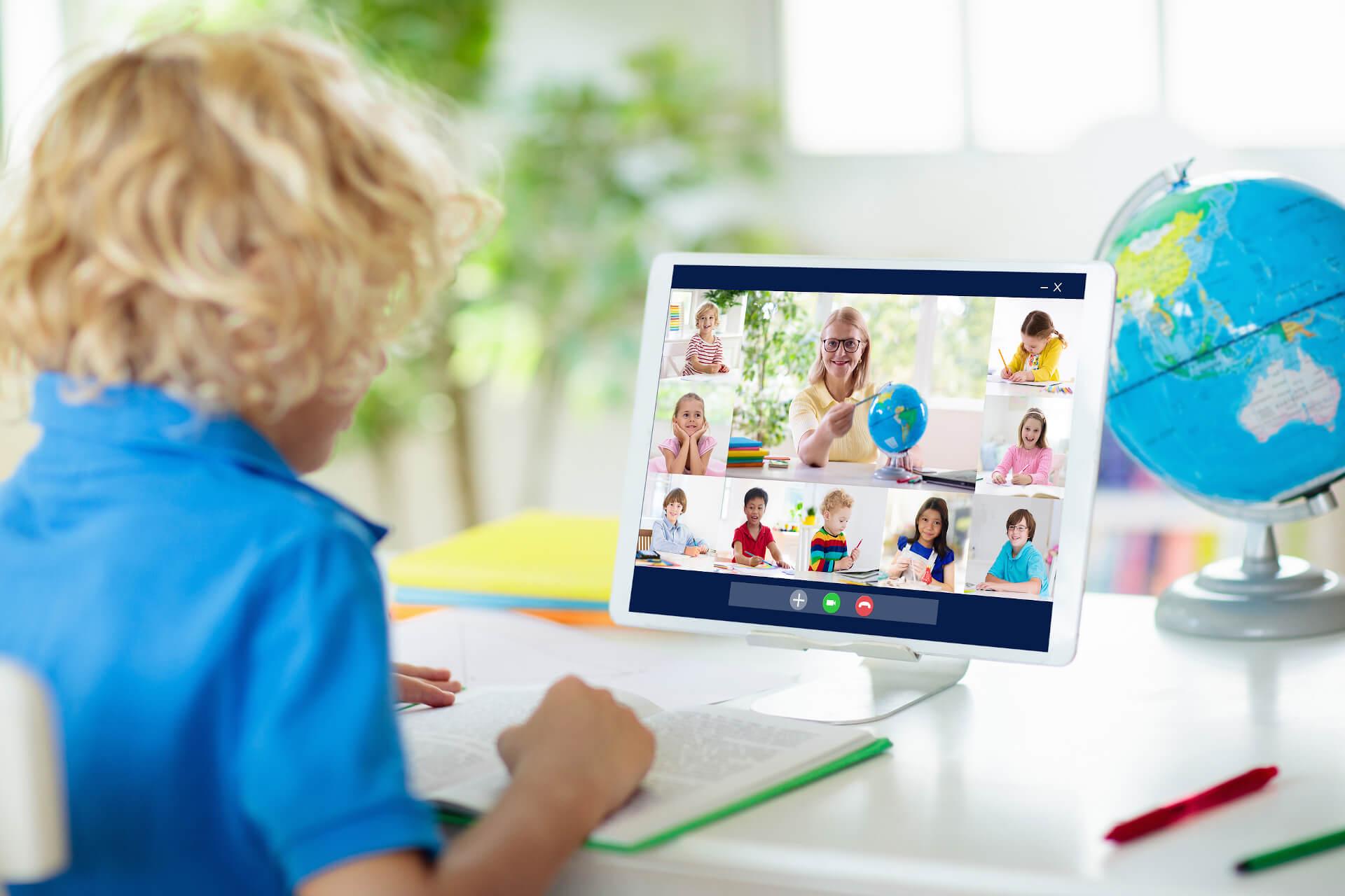 Campamento de verano online para adolescentes y niños
