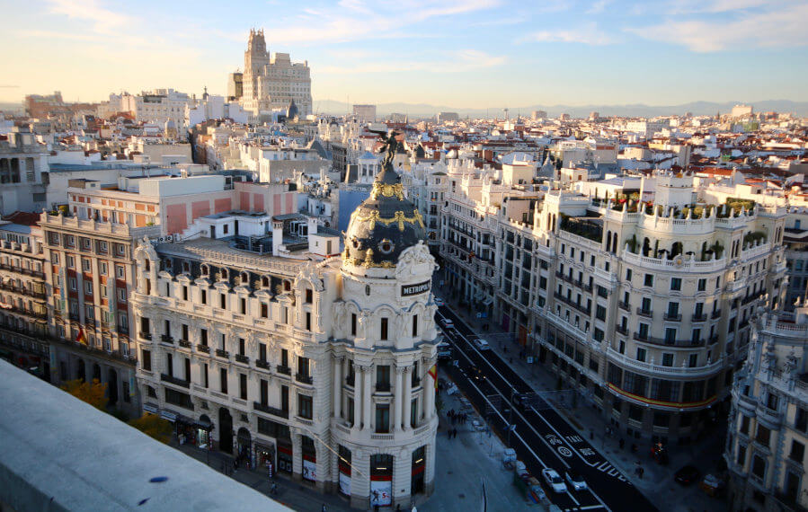 View of the Metrópoli building and of the Gran Vía of Madrid